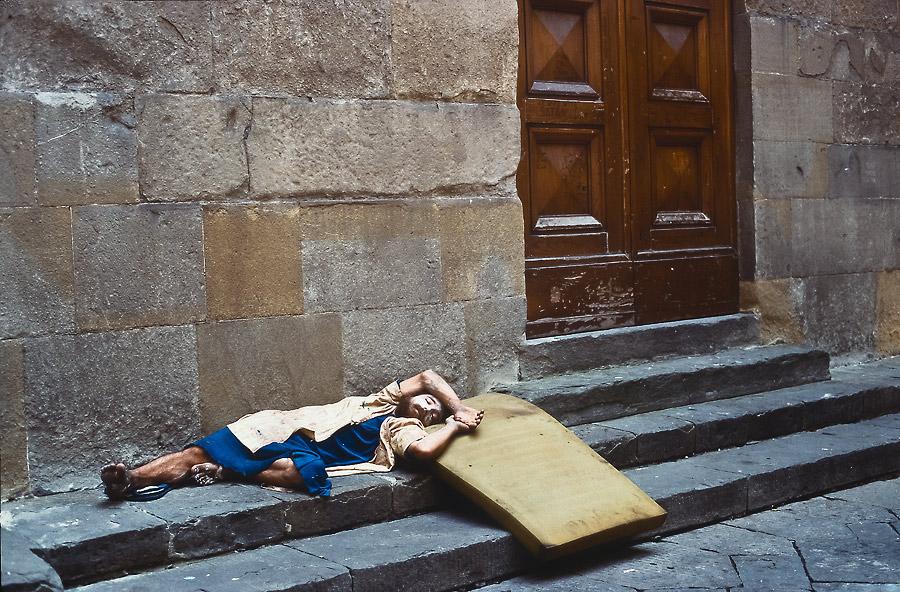 Avignon Festival, chalk artist, France.