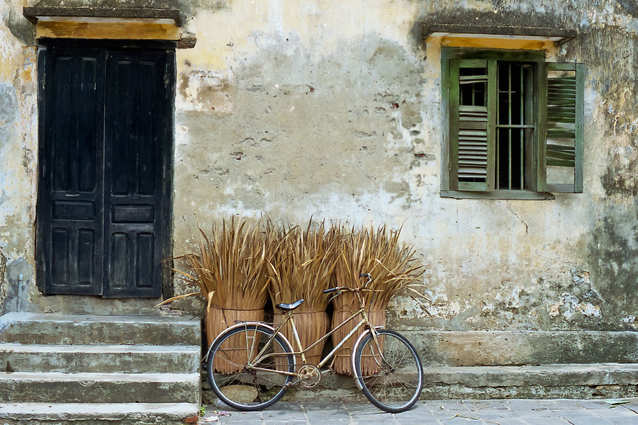 Bicycle, old city, Hoi An Vietnam.